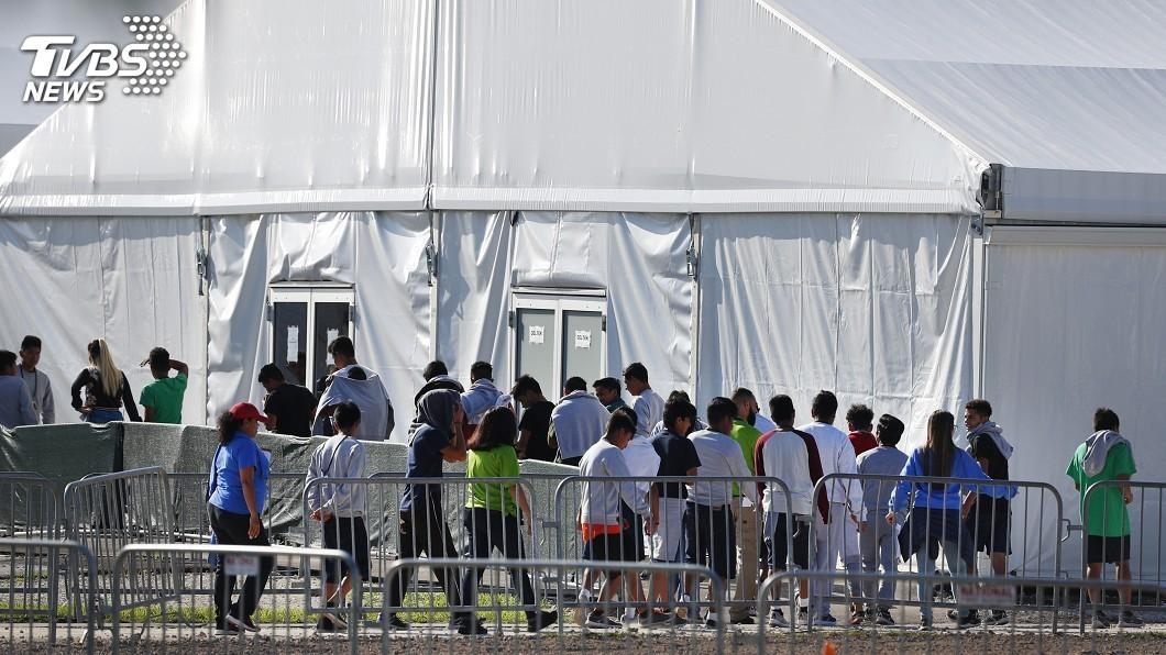 圖/達志影像美聯社 邊界拘留營像「煉獄」? 川普闢謠要讓媒體參觀