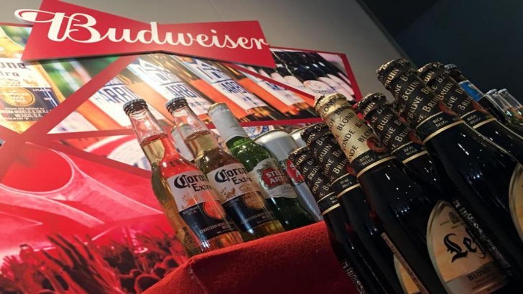 圖/達志影像路透 今年港股最大IPO 百威啤酒募資98億