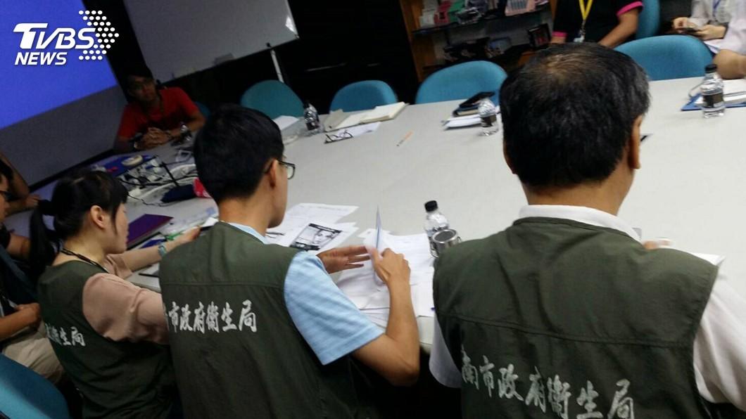 圖/中央社 台灣代工化妝品驗出石棉 南市府:中國製造