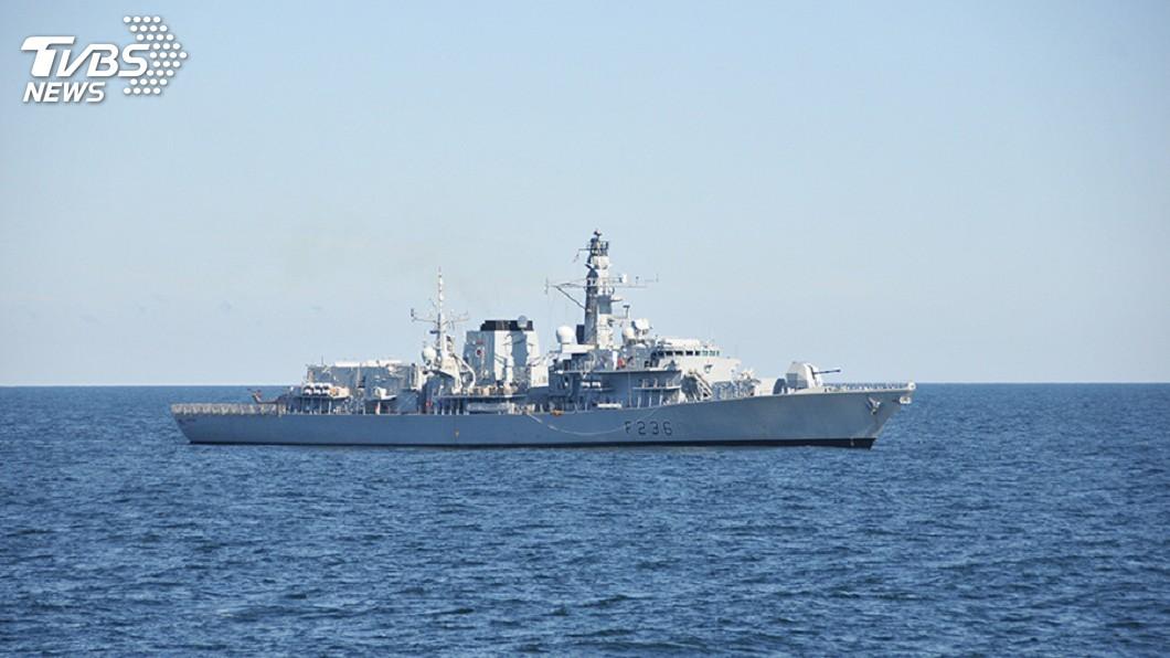 圖為英國皇家海軍巡防艦蒙特羅斯號(HMS Montrose)。圖/達志影像路透社 伊朗出動5艘武裝船 波灣劫持英油輪未果遭驅離