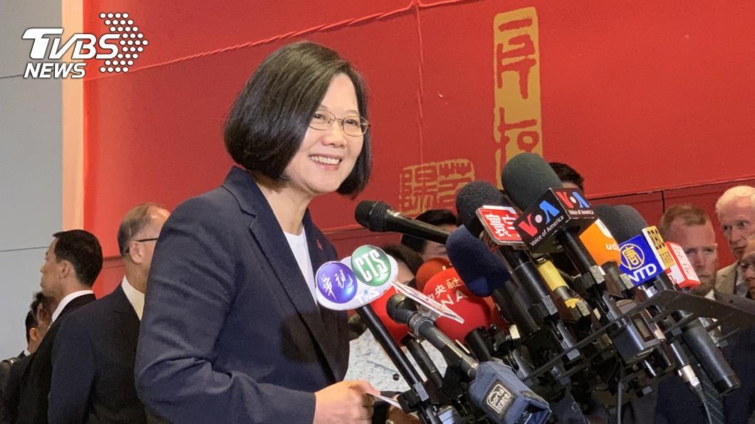 總統過境美國 紐約駐處接受媒體訪問。(圖/中央社) 首訪紐處公開受訪 蔡總統:讓世界知道台灣的貢獻