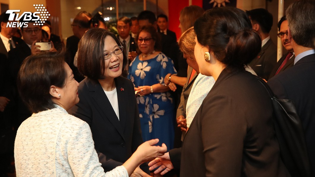 圖/中央社 與蔡總統紐約相會 17友邦代表挺台國際參與