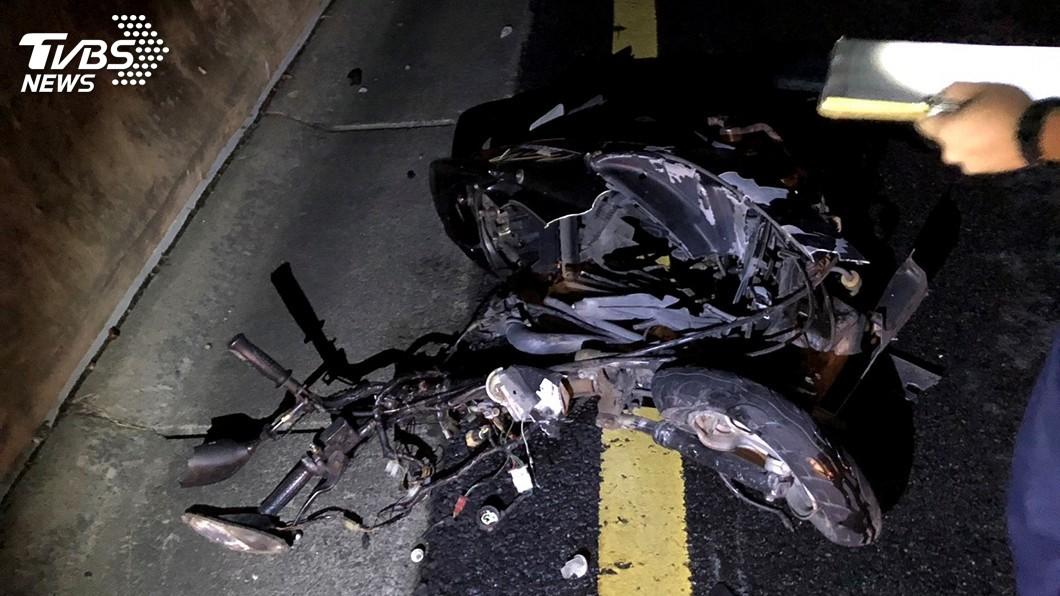 圖/中央社 騎士逆向上國道 對撞2輛小客車遭輾斃