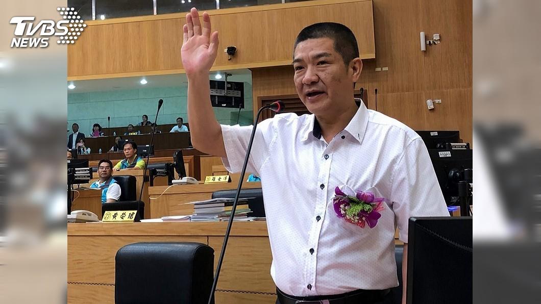 圖/中央社 嘉縣議員王焜玄補宣誓 當選無效之訴上訴中
