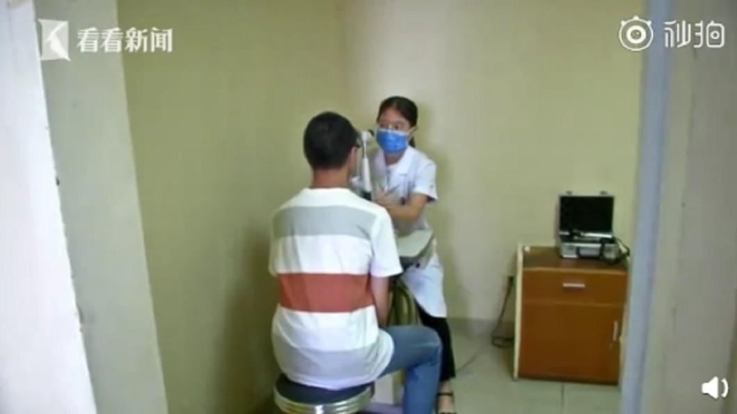 少年在近日接受手術。圖/翻攝自微博