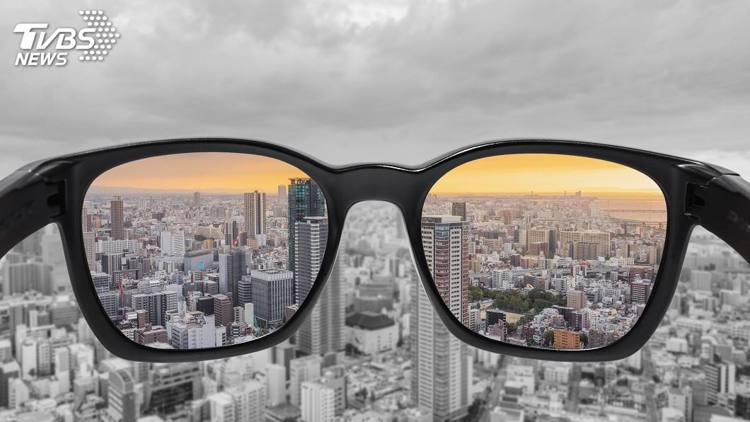 示意圖/TVBS 法車廠研發「暈車眼鏡」 95%的人不暈車