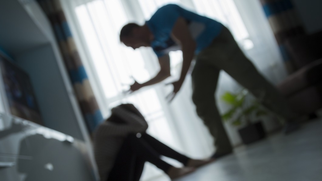 示意圖/TVBS 姊弟吵架他到場加碼打兒子 虎爸認:管教才打他