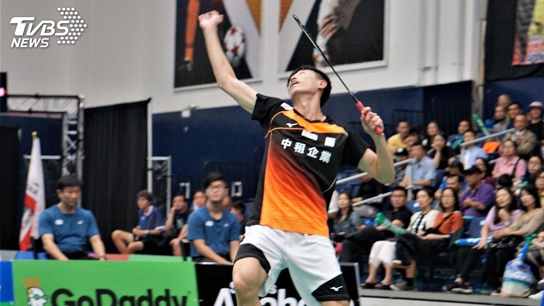 圖/中央社 首登大賽就奪冠! 19歲林俊易美羽賽男單封王