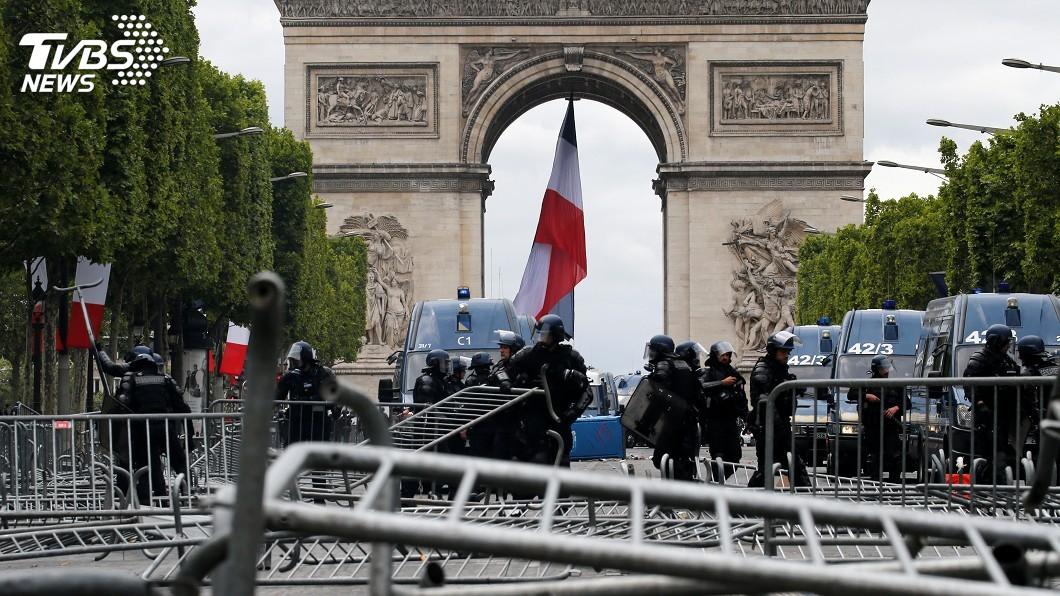圖/達志影像路透社 法國國慶閱兵後 示威者齊聚巴黎街頭再滋事