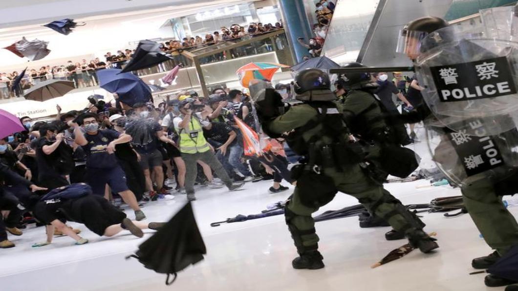 圖/達志影像路透 香港沙田示威爆流血衝突 20餘人住院.警遭斷指