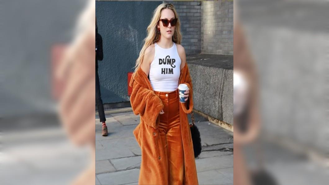 圖/翻攝自Florence Given的IG 超夯「甩男友」T恤包包 正妹插畫師呼籲女性自主抬頭