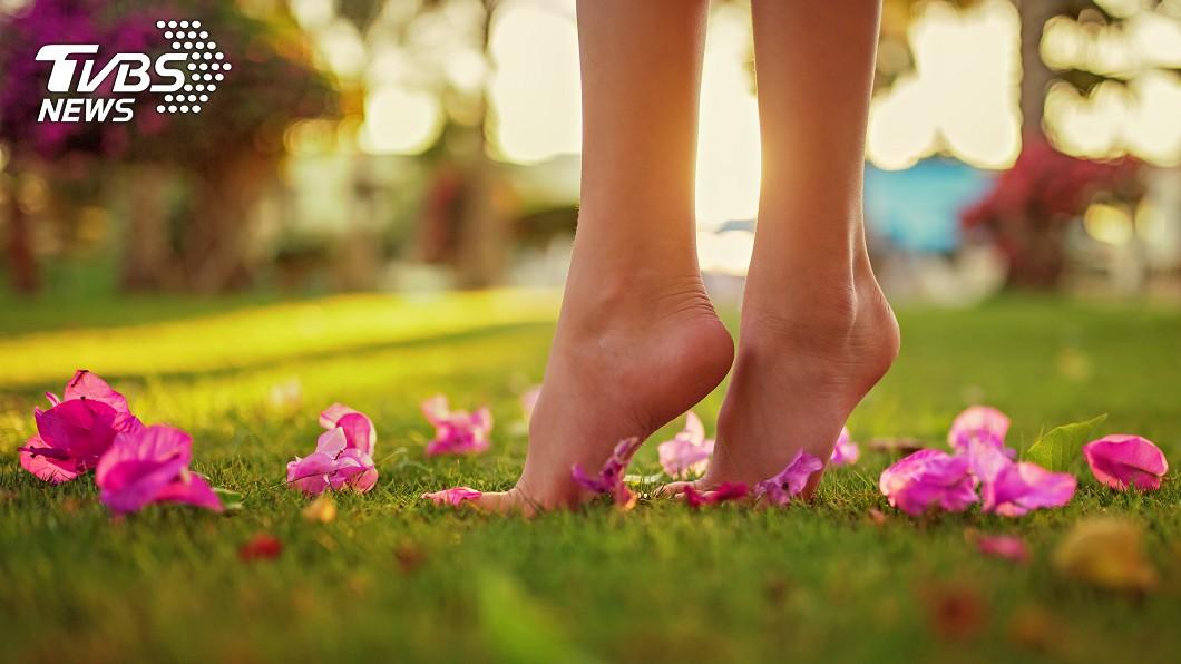 圖/TVBS示意圖 「喜歡妳的腳」搭訕遭拒!3男惱羞打暈 她醒來腫成豬頭