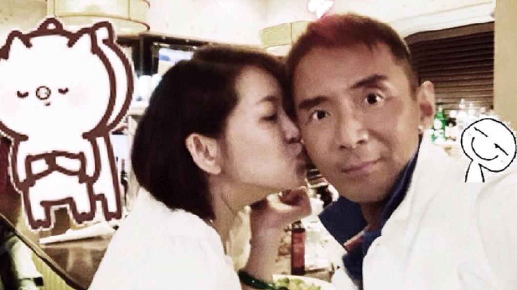 林利16日與Erin簽字結婚。圖/翻攝林利-林立洋微博 今登記結婚成「台灣女婿」 小虎隊男星:嚮往了很久!