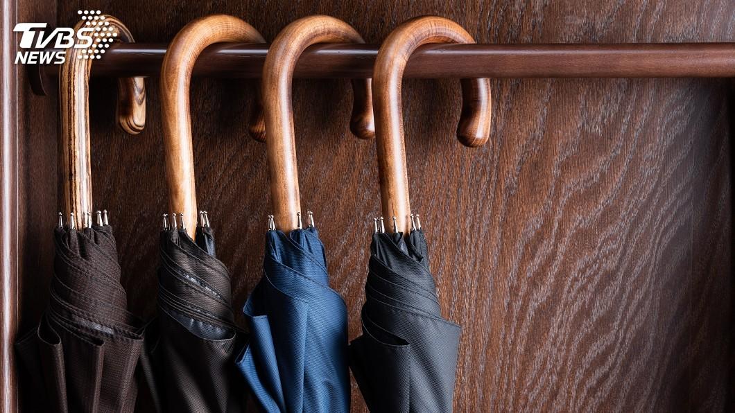示意圖。圖/TVBS 不愛摺疊傘!日本人偏好長柄傘 貼心原因曝光