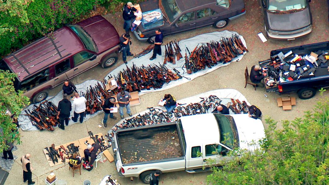 圖/達志美聯社 洛杉磯豪宅藏匿上千把槍 警突襲傻眼:沒看過這麼多槍