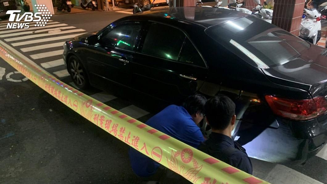 圖/中央社 男子拒檢倒車衝撞員警 警開槍通報圍捕逮人