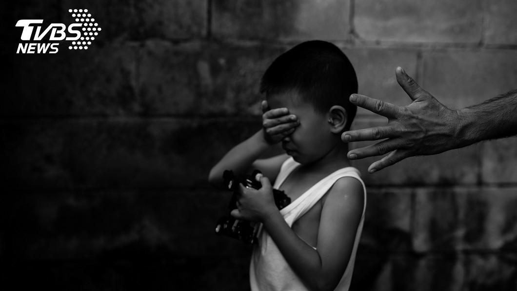 示意圖/TVBS 狠!後母虐待5歲男童 熱水燙脫皮、內臟破裂身亡