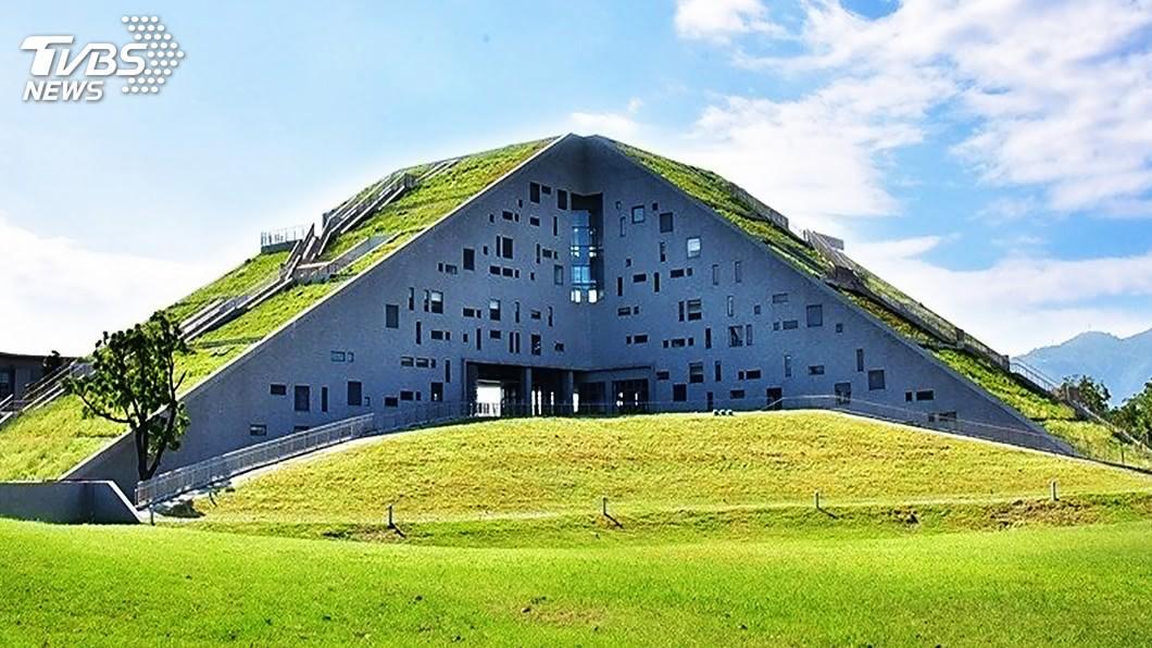 圖/中央社(台東大學提供) 像一本打開的課本 東大圖書館獲全球卓越建設獎