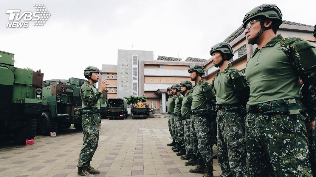 圖/中央社 國軍救災裝首度亮相! 6千件「透氣戰鬥衫」撥發官兵