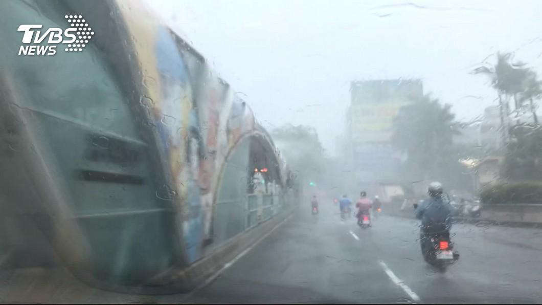 示意圖/TVBS 中南部降水「紫爆」 低壓強這兩天恐有致災性降雨