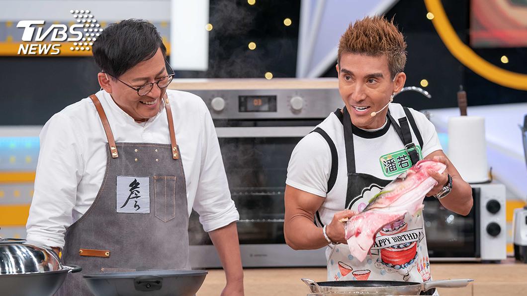 TVBS歡樂台《食尚玩家-歡樂有夠讚》潘若迪當起主持人詹姆士的二廚,二頭肌超搶戲。圖/TVBS