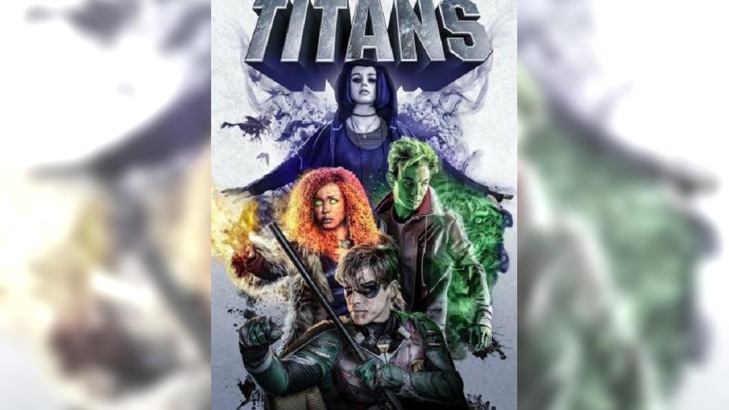 Titans海報。圖/翻攝自Titans推特 慟!片場出意外 撞車殘骸飛出「好萊塢大咖」被砸死