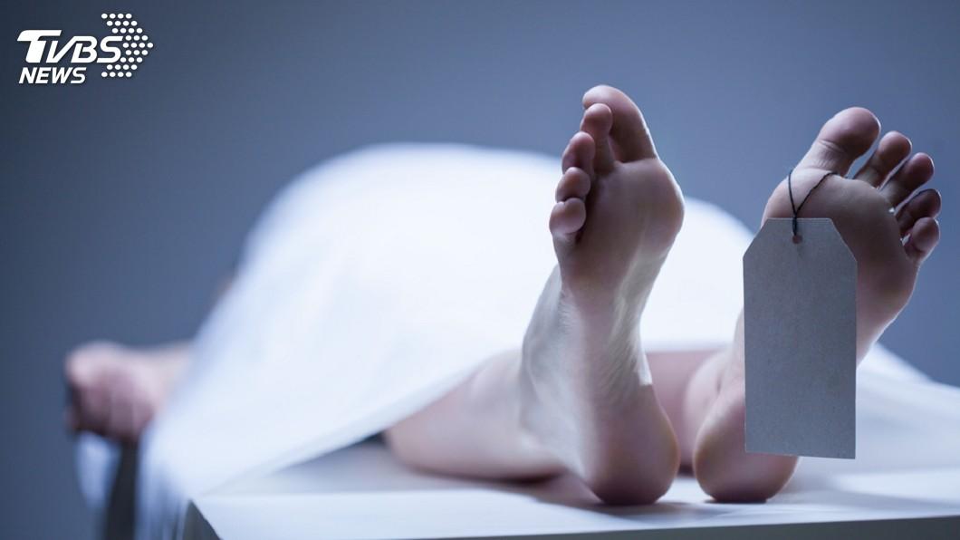 英國一名女子準備帶母親的大體回家舉辦葬禮,沒想到竟在她不知情的情況,大體被送往醫學中心進行解剖研究還火化。(示意圖/TVBS) 女欲幫母辦葬禮 大體竟遭醫學中心解剖研究後火化