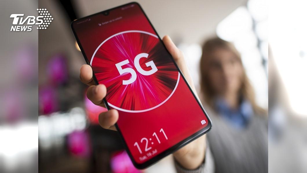 圖/達志影像美聯社 5G搜不到降回4G 韓消費者:上網卡卡的