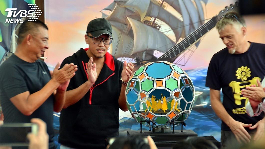 圖/中央社 貢寮海洋音樂祭 舞台設計為天幕藝術裝置