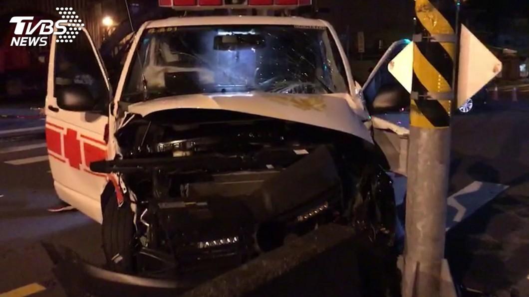 圖/中央社 蘇澳救護車與轎車相撞 重症病患不治、救護員3傷