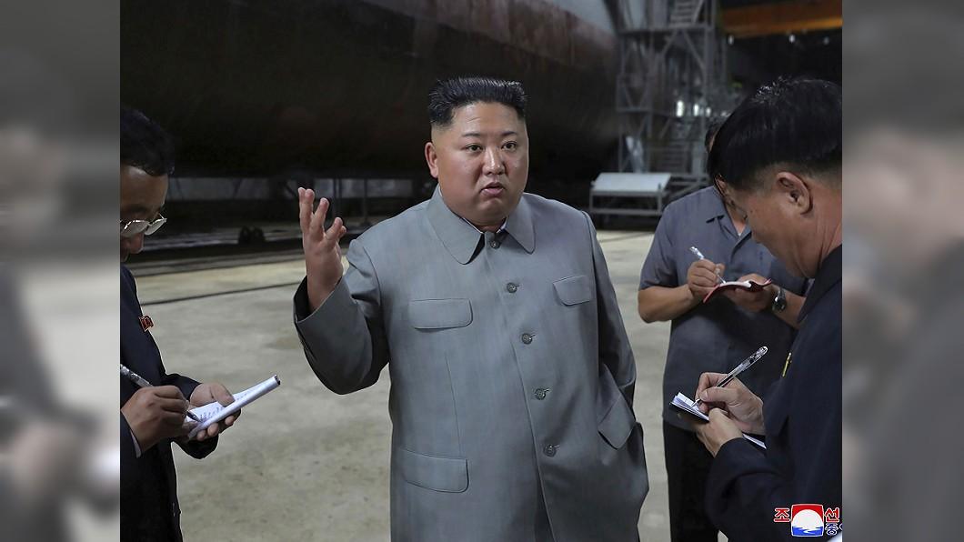 圖/達志影像美聯社 金正恩才看完潛水艇 北韓今又發射「飛行物」