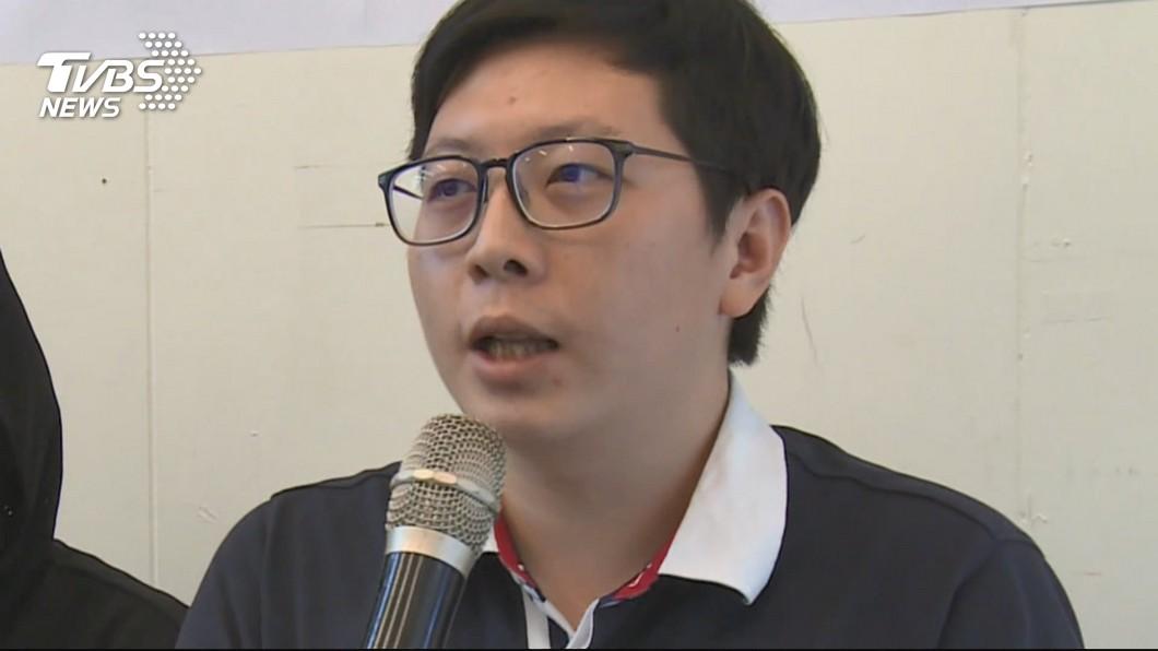 桃園市議員王浩宇直接在臉書開嗆黃國昌。(圖/TVBS)
