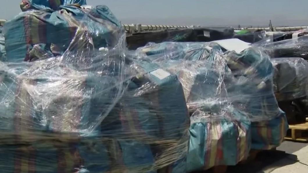 圖/翻攝自CBS 8 San Diego YouTube 直擊美海上緝毒走私船 古柯鹼丟海滅證