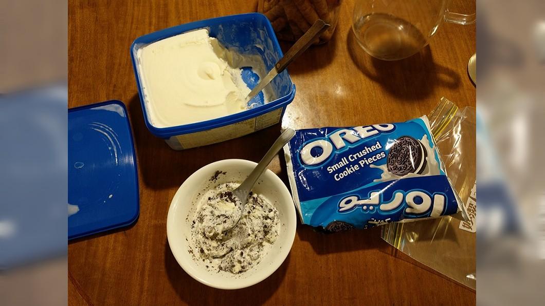 網友分享蘇格蘭冰淇淋+OREO。圖/翻攝自Costco好市多消費經驗分享區
