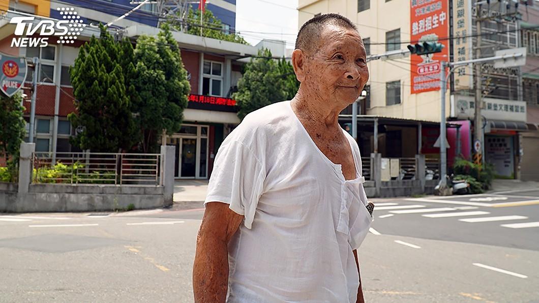 圖/中央社 無償捐地蓋分駐所 94歲葉祥慶出錢出力回饋社會