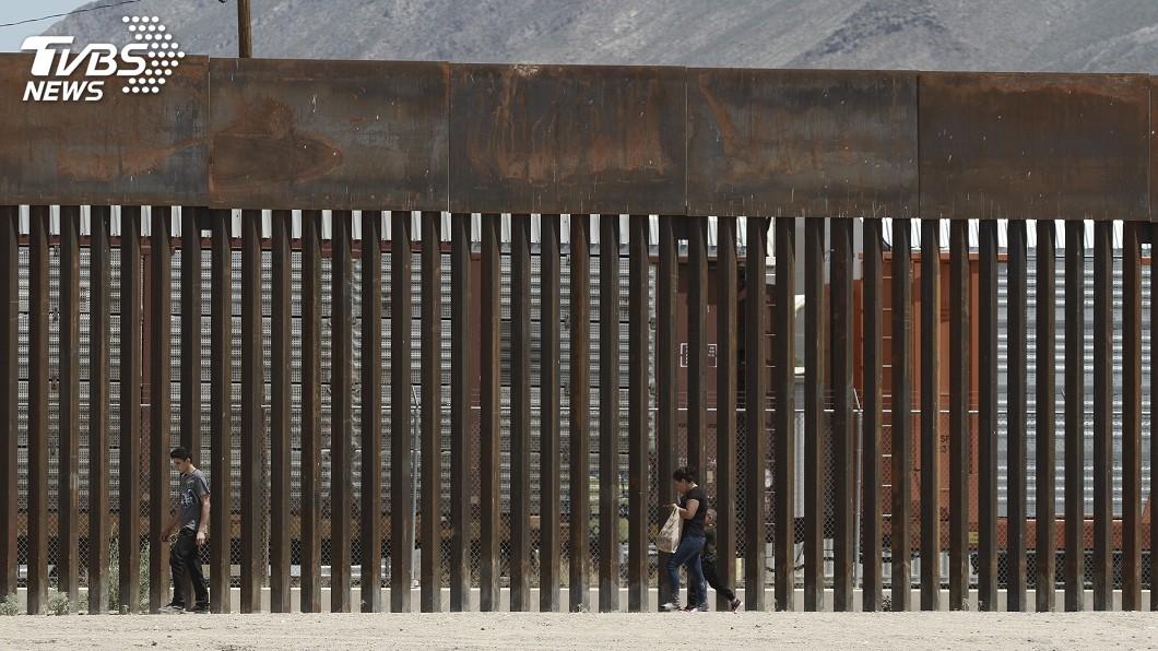 圖/達志影像美聯社 為化解貿易緊張 墨西哥:抵美邊界移民已降4成