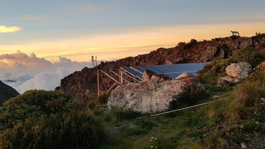 圖/NCC提供 東北亞最高!玉山北峰基地台啟用 守護登山客安全