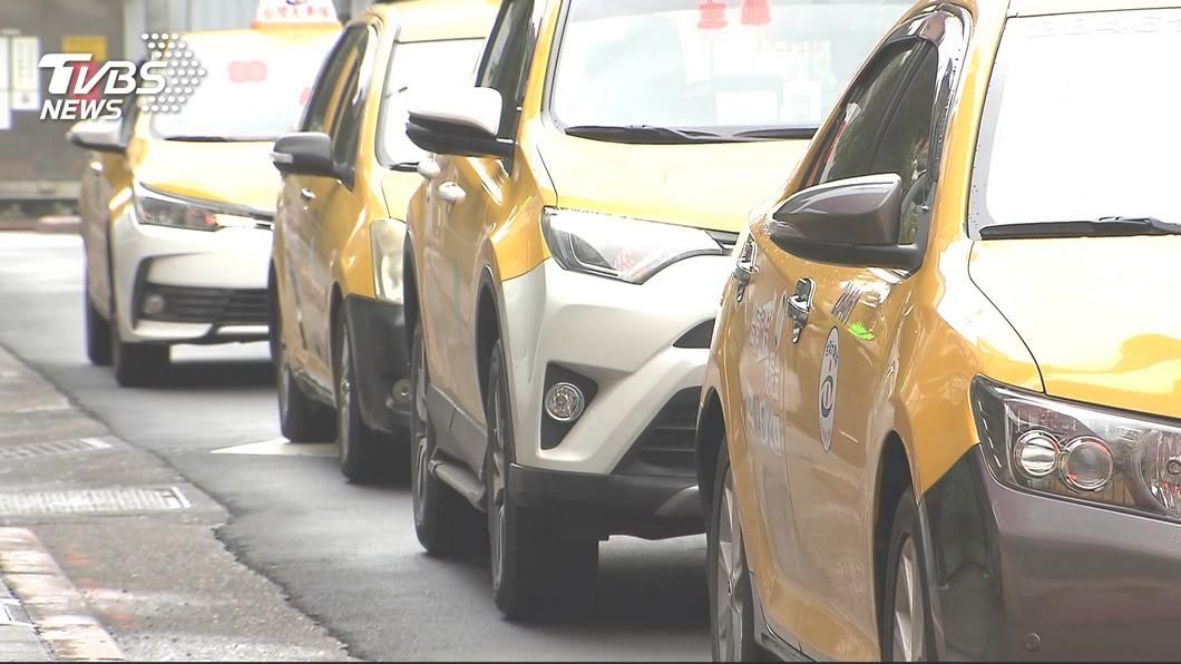 示意圖/TVBS 整車漆成「小黃」!白牌車賺150慘遭罰10萬