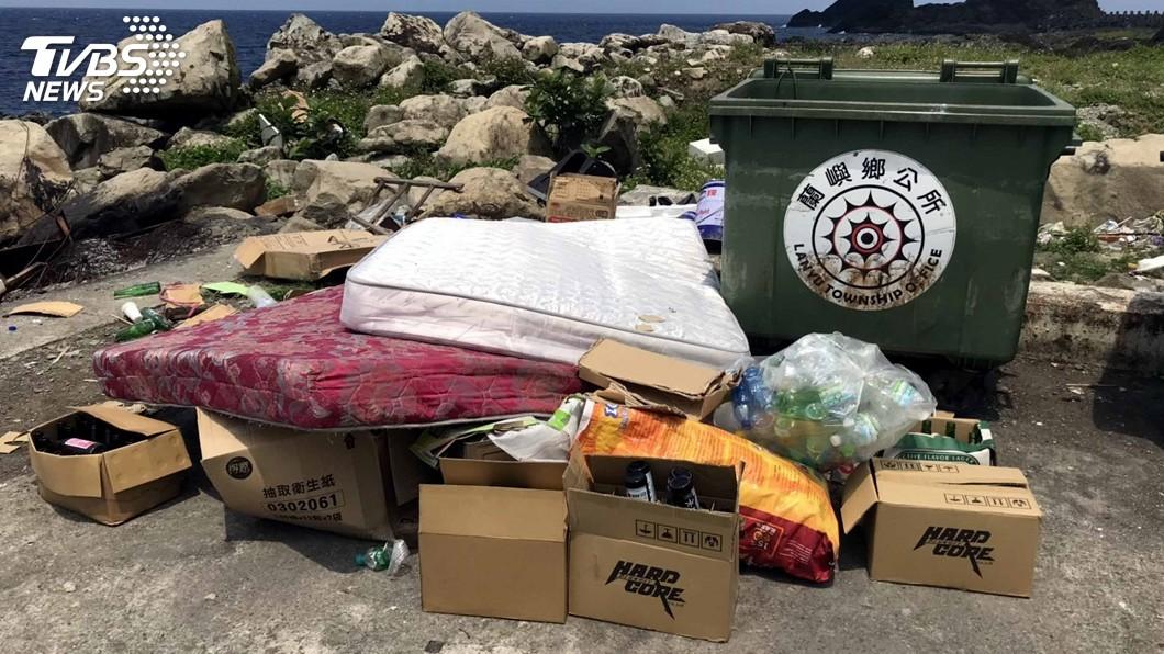 圖/中央社資料畫面(瑪拉歐斯提供) 綠島、蘭嶼垃圾問題嚴重 台東爭取經費362萬