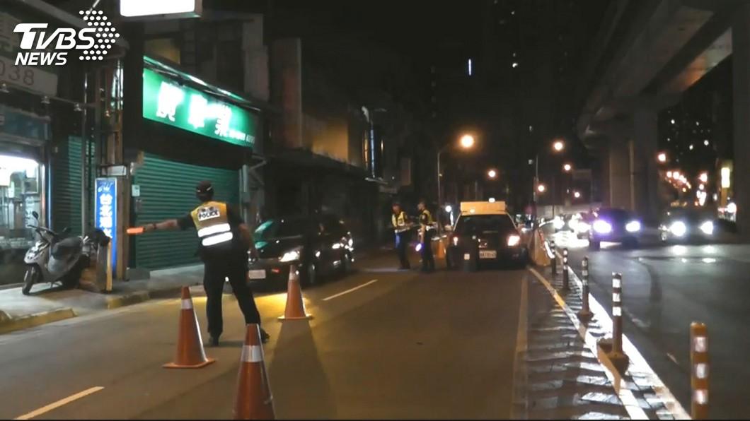 示意圖/TVBS資料照 酒駕還想逃!警察慘遭撞 法官判無罪:車頭沒對人