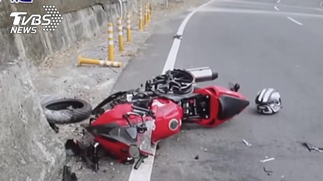 圖/TVBS資料照 兒騎重機過彎自撞亡 母控「護欄害命」求百萬國賠