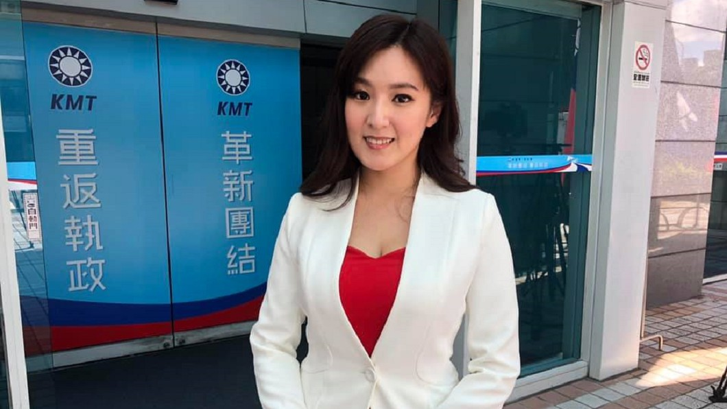 何庭歡投入高雄市長韓國瑜陣營,擔任競選總部發言人。圖/翻攝何庭歡臉書 為何投入韓陣營? 何庭歡真心話:想看「新世界的月亮」