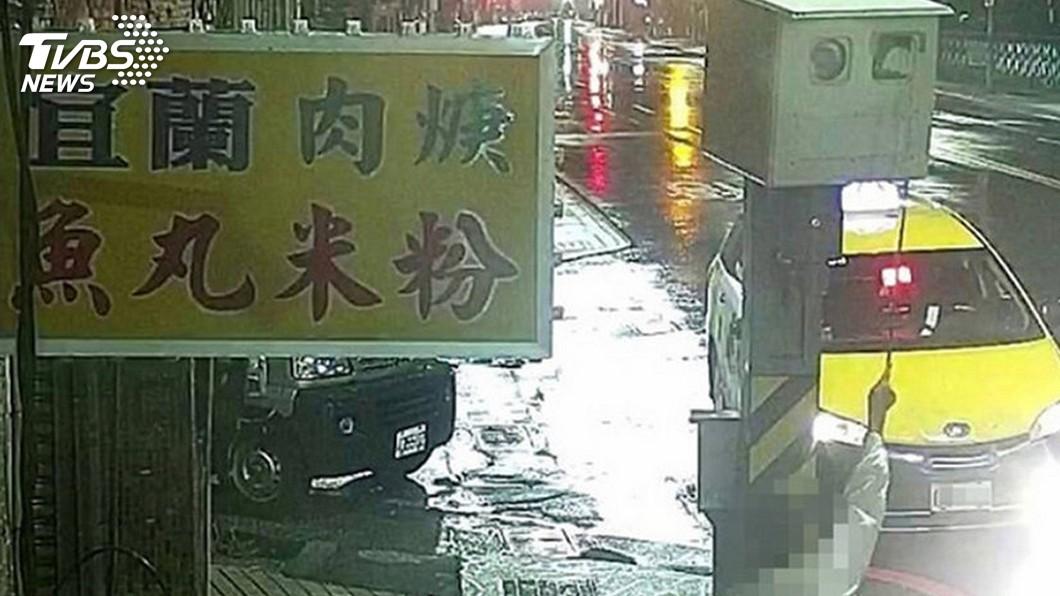 圖/中央社 便利貼「弄瞎」5台測速照相機 未達毀損改判無罪