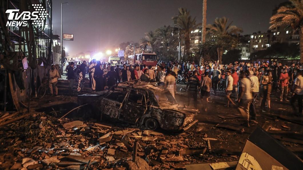 圖/達志影像美聯社 開羅重大車禍 4車追撞釀火燒車19死30傷
