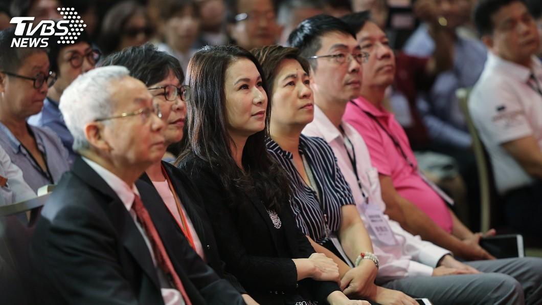 圖/中央社 現身民眾黨創黨大會 劉宥彤稱以個人身分祝福