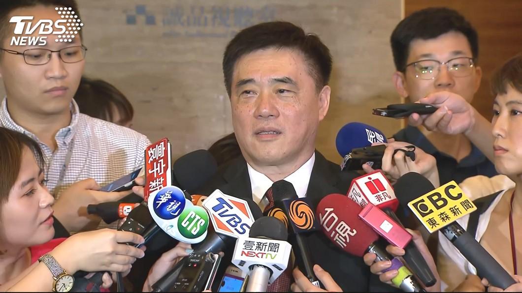 圖/TVBS 談國民黨整合 郝龍斌:讓郭王先沉澱一下