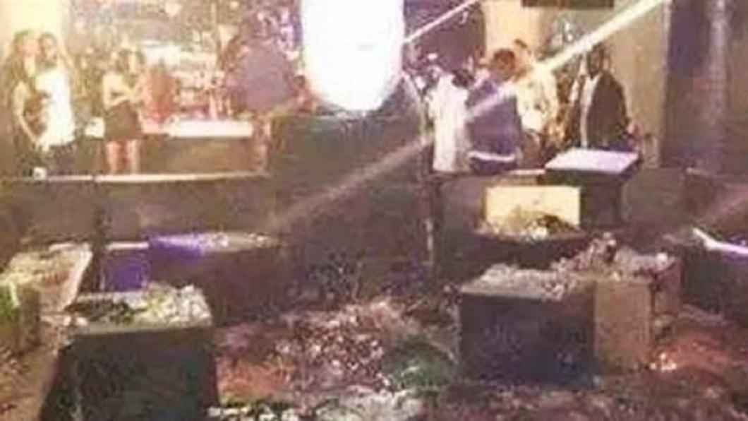 安徽合肥一間KTV發生恐怖命案,一名美艷人妻被5男搭訕拒絕,竟遭圍毆致死。(圖/翻攝自陸網) KTV搭訕人妻被拒…5男圍毆20分 尪目睹她被打死