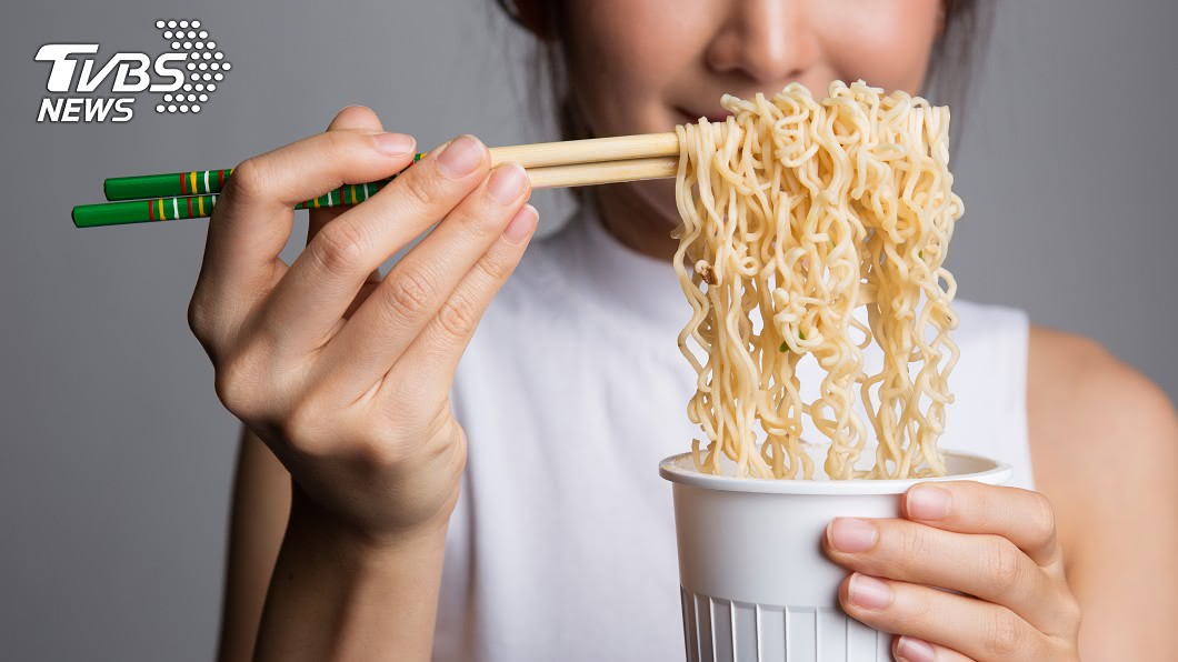 泡麵是台灣隨手可得的美食。圖/TVBS