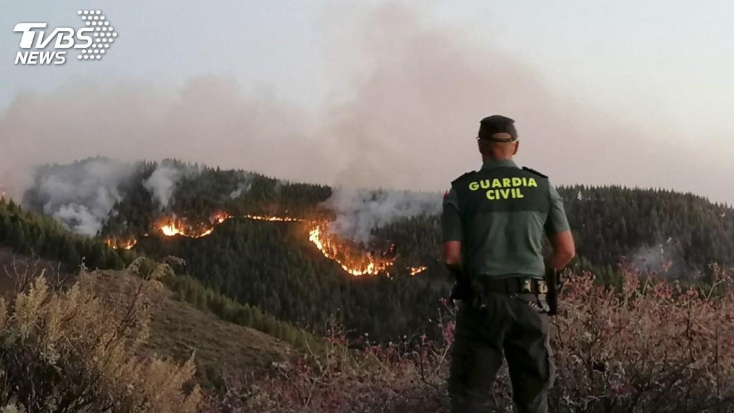 圖/達志影像美聯社 西班牙大加納利島火災 延燒面積約1000公頃