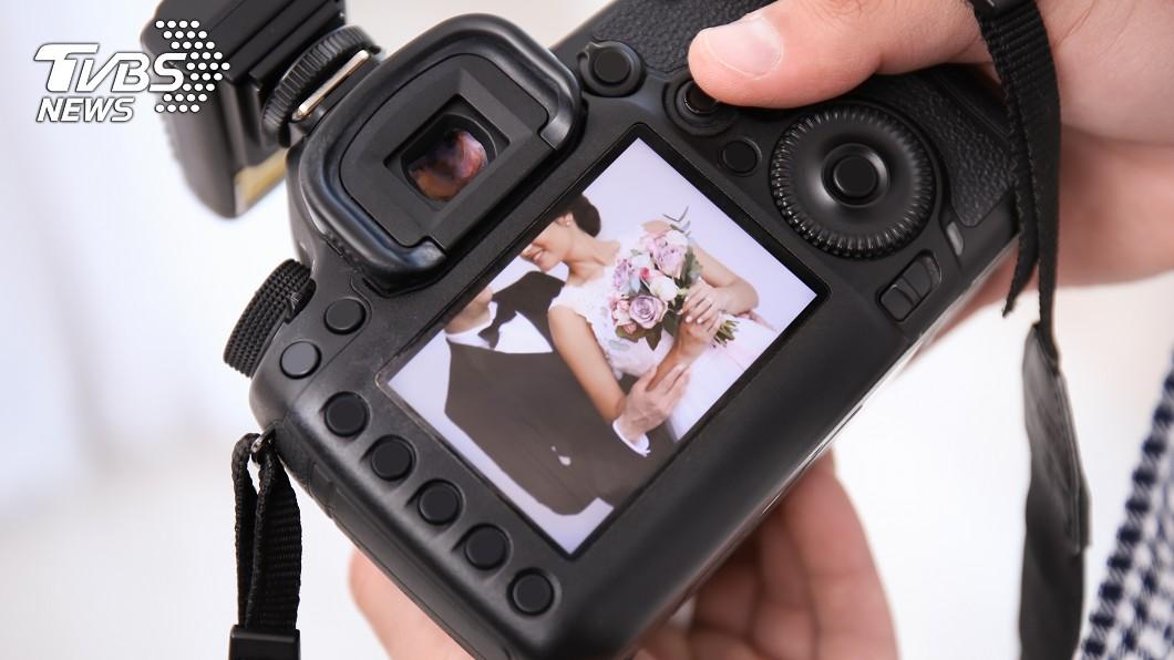 許多新人會請婚攝記錄下婚禮的過程。示意圖/TVBS 他羨「婚攝靠接案爽買房」 內行人曝殘酷真相